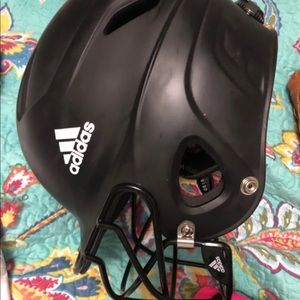 Adjustable softball helmet